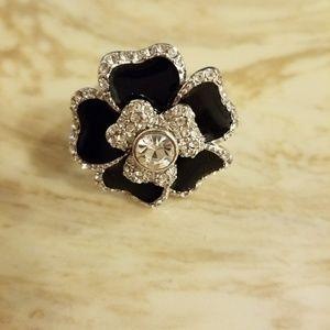 Lia sophia size 8 costume ring